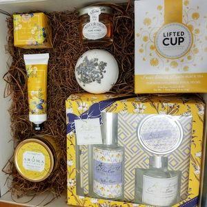 Golden Blossom Tea Gift Box